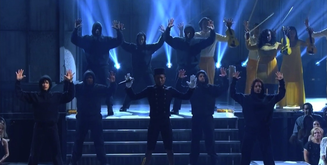 Grammys-2015-Pharrell-Totally-Reinvented-Happy-with-Live-Performance-Video-472576-2