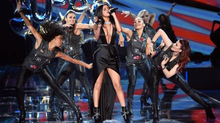 2f7143d1d08 Selena Gomez shuts down critics after Victorias Secret Fashion Show ...