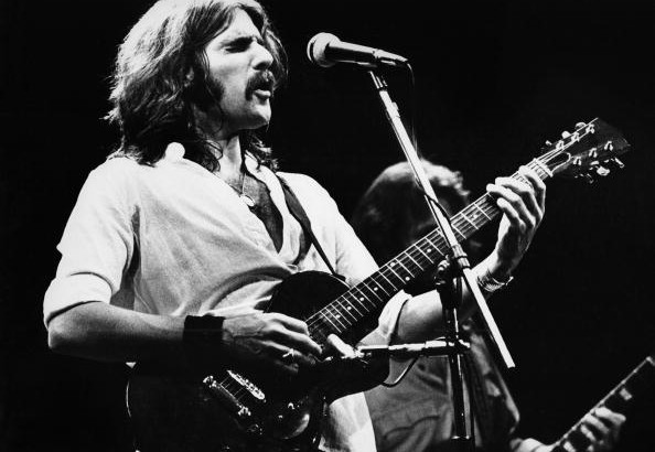 Glenn Frey of The Eagles performs on stage at Ahoy on May 11th 1977 in Rotterdam, Netherlands. (Photo by Gijsbert Hanekroot/Redferns)