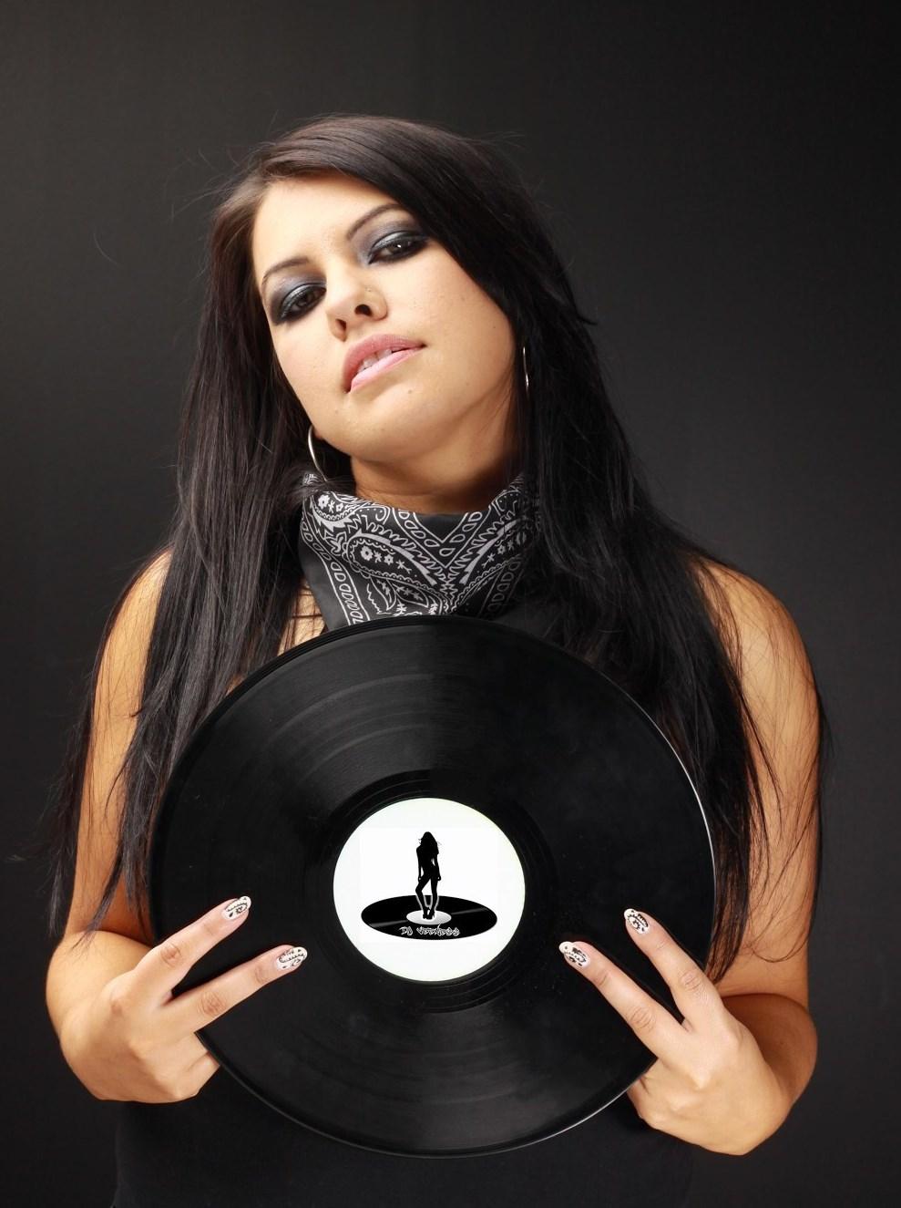 queens of the crossfade australia s female hip hop urban djs howl echoes. Black Bedroom Furniture Sets. Home Design Ideas