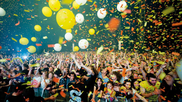 crowds-splendour2