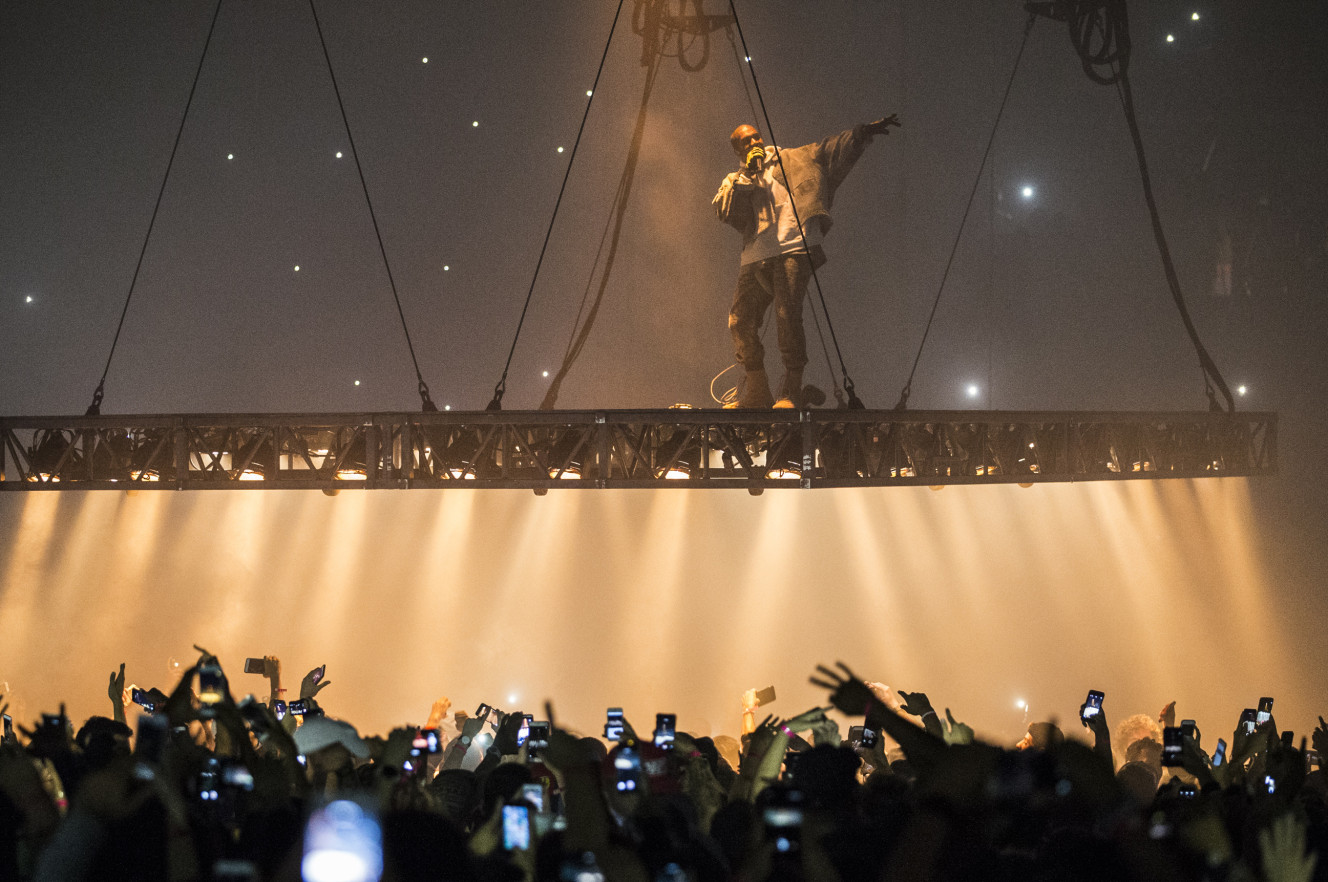 Review kanye west live at madison square garden nyc howl echoes for Kanye west madison square garden