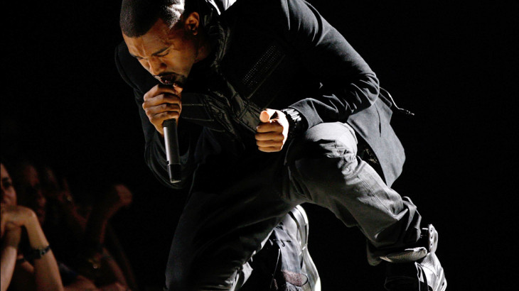 kanye-west-grammy-performance